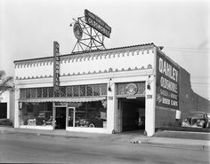 Oakley Oldsmobile at 338 N Canon Drive, Beverly Hills, CA,1941.