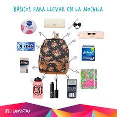 Además de lo obvio, hay objetos que son súper básicos para llevar en tu mochila. ¿Qué otra cosa le agregarías?