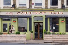 The Gorringe Park - British pub with some twists - Pixie