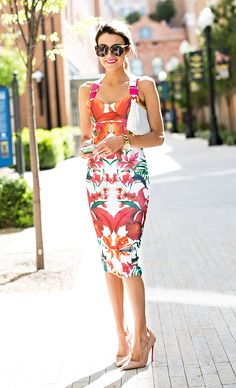What to Wear to a Summer Soiree, Garden Party outfit, Ted Baker floral midi dress Hello Fashion Blog, Plus Size Maxi Dresses, Cute Dresses, Summer Dresses, Midi Dresses, Outfit Summer, Floral Dresses, Street Look, Street Style