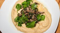 Hummus mit Lamm und Zitronensauce