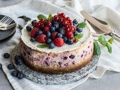 Amerikansk ostekake med bær Cheesecake, Frisk, Yummy Cakes, Ricotta, Sour Cream, Tapas, Bakery, Chips, Cookies