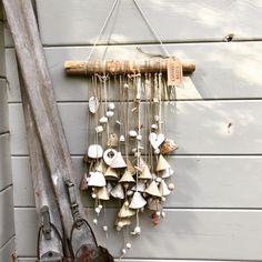 Blij om dit item uit mijn shop te delen: Artisan Ceramic Wallhanging with 28 handmade unique bells and several beads, hanging down from a branch. Driftwood Art, Ceramic Beads, Art Inspo, Wind Chimes, Hanger, Artisan, Sculpture, Outdoor Decor, Artwork
