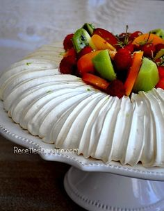 Amazing Cake for birthday Mini Desserts, Just Desserts, Delicious Desserts, Dessert Recipes, Yummy Food, Pavlova Cake, Pavlova Recipe, Bon Dessert, Eat Dessert First