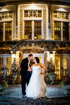 OLDE MILL INN WEDDING PHOTOS : Romantic  evening wedding portrait | Posing inspiration