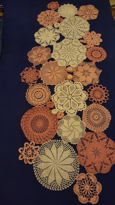 Crochet Tablecloth, Crochet Doilies, Doilies Crafts, Knitted Pouf, Lace Art, Crochet Box, Crochet Projects, Tea Party, Diy And Crafts