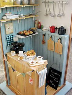 8 Truthful Cool Tips: Coffee Ideas Table coffee corner sign.Coffee Corner Sign coffee ideas mug. Vitrine Miniature, Miniature Rooms, Miniature Kitchen, Miniature Crafts, Miniature Houses, Miniature Furniture, Dollhouse Furniture, Coffee Shop, Coffee Girl