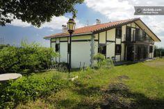 Casa rural, costa vasca con un entorno precioso en Itziar-Deba  dentro del www.geoparkea.com YouTube, zelaietaberri