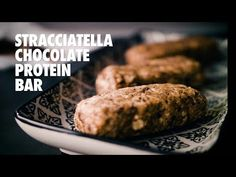 Chocolate Protein Bars, Barista, New Recipes, Baked Potato, Health And Wellness, Sausage, Tasty, Baking, Ethnic Recipes