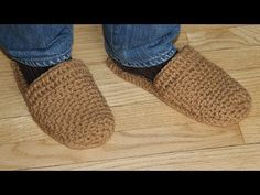 ▶ How to crochet men's slippers - video tutorial for beginners - YouTube