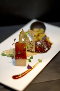 Foie gras poêlé & pressé maison mélasse de Marie Galante, ananas ettamarin au Rhum local. Homemade pan seared& pressed foie gras Marie Galante cane molasse,pineapple rum flavoured tamarind