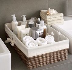 Caixas organizadoras no banheiro!