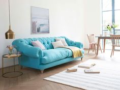 This deep buttoned beauty, the Bagsie love seat, is a seriously cool take on a classic Chesterfield. This sumptuous love seat is handmade in Blighty. Turquoise Couch, Chesterfield Style Sofa, Deep Seated Sofa, Comfy Sofa, Sofa Frame, Weathered Oak, Chaise Sofa, Fabric Sofa, Decoration
