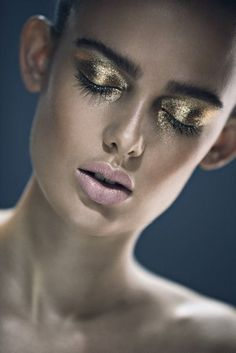 @Byrdie Beauty - Sparkle and Shine. Gold eyeshadow w/pale pink lip