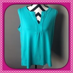 JONES NEW YORK SPORT SLEEVELESS TOP Sleeveless top great for Spring or Summer. Add a sweater for those cool nights.  100% Cotton.  21 inches armpit to armpit.  26 inches top to bottom.  Very good condition. Jones New York Tops