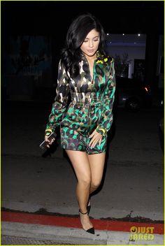 3d5ec975fb Kylie Jenner Reveals New Lip Kit Color Named For Sister Kourtney  Photo   944252.
