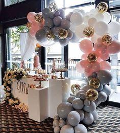 Baby shower ideas games, decor and gifts in 2019 rustik düğün davetiyeleri. Birthday Balloon Surprise, Birthday Balloons, Birthday Parties, Birthday Desserts, Birthday Ideas, Happy Birthday, Bridal Shower Balloons, Gold Bridal Showers, Wedding Balloon Decorations