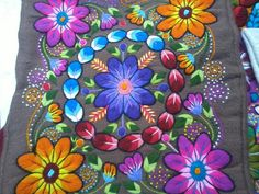 Mexican Embroidery, Embroidery Patterns, Hand Embroidery, Bohemian Girls, Painted Rocks, Vibrant Colors, Needlework, Elsa, Pillows