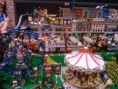 A MOC on display at the Birmingham BrickFair. Lego Jokes, Lego Math, Lego Halloween, Lego Boards, Lego For Kids, Lego Modular, Cool Lego Creations, Lego Projects, Lego Building