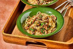 Croissant, Bologna, Feta, Spaghetti, Ethnic Recipes, Kitchen, Street, Cooking, Kitchens