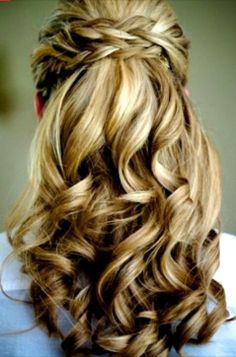 Wedding day hair, i love this hair style, but not sure if i wanna do half and half or side swept curls,,,, hrrmmmm vail or no vail? or prom