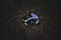 """Brezilyalı psikolog Douglas Amorim, psikolojik rahatsızlıklar ve intihara dikkat çekmek için """"Depressive Intimacy"""" (Depresif Yakınlık) adında fotoğraflardan oluşan bir kompozisyon hazırladı."""