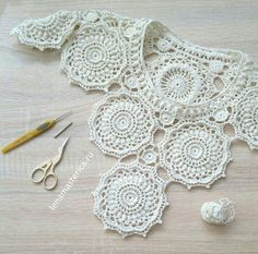 ergahandmade: Crochet Lace Top Diagram Video Tutorial Source by sencami 54 Shirts Blouses You Should Own - Luxe Fashion New Trends - Fashion . Blusinha do momento vi na net Crochet Pincushion - Сrocheted motif Christmas star Very easy Step by step Tutori Col Crochet, Crochet Collar, Crochet Tunic, Crochet Diagram, Irish Crochet, Crochet Motif, Crochet Designs, Crochet Doilies, Crochet Clothes