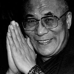 14th Dalai Lama, Spiritual People, Om Mani Padme Hum, Smile Images, Gautama Buddha, Inspiring People, Tibet, Breathe, Saints