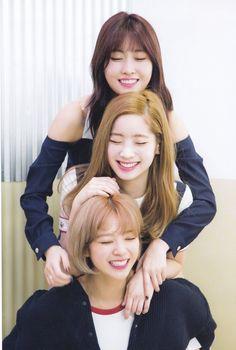 Momo, Dahyun and jeongyeon