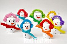 Snowman Christmas Tree ornaments made from corks! Have to make these with my kids. Too cute!