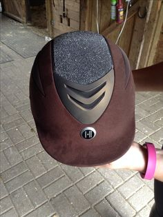 Dressage Horses, Horse Tack, Equestrian Fashion, Equestrian Style, Horse Riding Helmets, Helmet Hair, Riding Habit, Riding Clothes, Pretty Horses