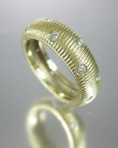 NEW DESIGNER 18 KT Yellow Gold Diamond Detail Textured Band Ring Sz 6 at www.ShopLindasStuff.com
