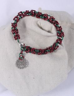Christmas Bracelet / Gear Jewelry / Gear Bracelet / Chainmail Bracelet / Chainmaille Bracelet / Metal Bracelet / Red Bracelet