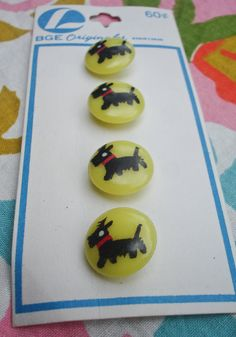 NOS Vintage 1950s Kitchy Scotty Dog Plastic Buttons // by Merletto, $8.00