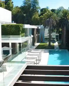 Modern Villa Design, Modern Exterior House Designs, Dream House Exterior, Modern Architecture House, Spring Architecture, Dubai Houses, Miami Houses, Modern Mansion, Luxury Modern House