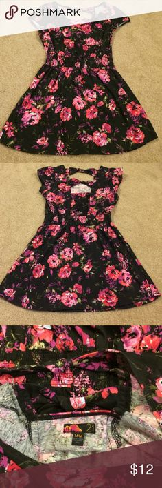 Forever 21 floral dress Black floral print dress from forever 21• purple and pink flowers• size M Forever 21 Dresses