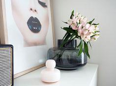 VAALEANPUNAISTA TALVEEN Simple Decor, Modern Minimalist, Interior, Deco, Original Prints, Marimekko, Vase, Sweet Home, Inspiration
