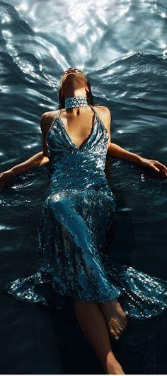 Glamour Mermaids / karen cox. Colazione Dior: Emily DiDonato: Numéro No. 117 ottobre 2010 | cynthia reccord