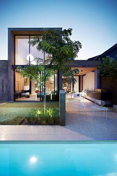 Inspiração de casas pequenas e modernas - Quando pensamos na casa dos sonhos, sempre nos vem a cabeça uma super residência com jardim e piscina. Mas as coisas nem sempre funcionam assim, nos dias de hoje sabemos o custo de ter um amplo esp…
