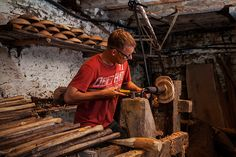 Merchant-and-Makers-Robin-Wood-Bowls-Pole-Lathe-Wood-Turner-25-Workshop