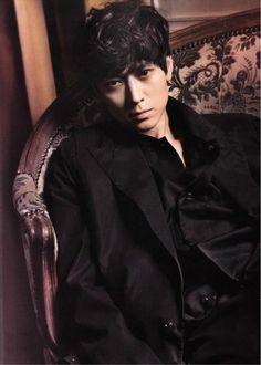 Kang Dong Won - Elle Magazine May Issue 13