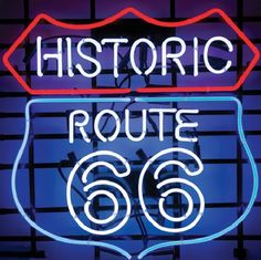 Neon sign Route 66 :