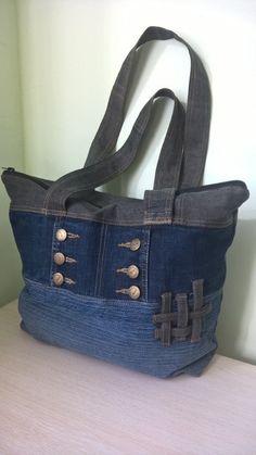Одноклассники Denim Bags From Jeans, Denim Tote Bags, Denim Handbags, Denim Purse, Fabric Handbags, Jean Délavé, Jean Bag, Blue Jean Purses, Diy Sac