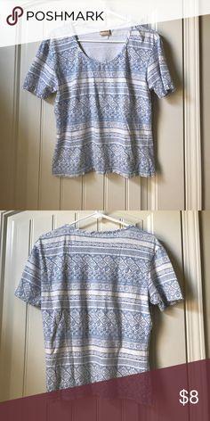 Crossroads Women Tee Super great material, perfect lazy day shirt! Fun design. Crossroads Tops Tees - Short Sleeve