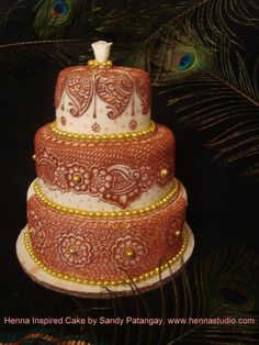 Henna cake! If only I had a steady hand...and an artistic eye!
