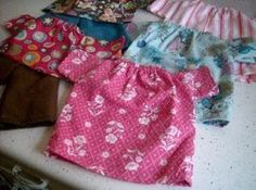 This has links to the doll diaper pattern.Free pattern: Simple dolly shirt, pants, and dress American Girl Outfits, American Doll Clothes, American Dolls, Sewing Doll Clothes, Baby Doll Clothes, Sewing Dolls, Dress Sewing, Barbie Clothes, Doll Dress Patterns