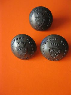3 maidstone school otc uniform buttons Gaunt