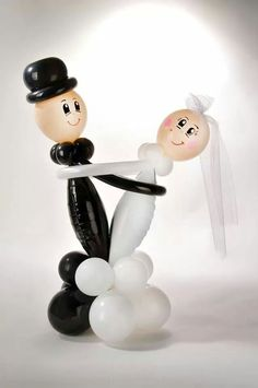 bride and groom  #balloon #twisting #wedding