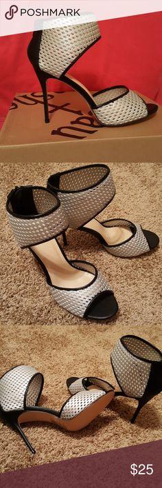 "NIB! 🎀FLASH SALE🎀Peep Toe Heels w/Cutouts Sexy Shoe Dazzle 4"" Heels Faux Leather Trim /detailing. Shoe Dazzle Shoes"