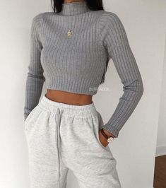 trendy outfits for school / trendy outfits ; trendy outfits for school ; trendy outfits for summer ; trendy outfits for women ; Hijab Casual, Lazy Outfits, Cute Comfy Outfits, Teenager Outfits, Winter Fashion Outfits, Retro Outfits, Cute Casual Outfits, Look Fashion, Stylish Outfits